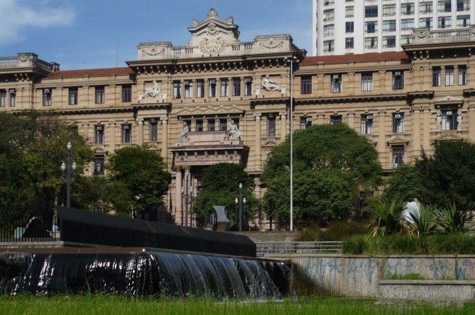 Justiça de SP vai investigar denúncias de fraude nas adoções da IURD em Portugal