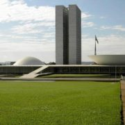 Bolsa-Eleição vai custar ao País um Aeroporto de Congonhas
