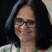 Para Damares, igualdade de gêneros implica mulher apanhar sem reclamar